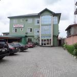 Menic Suites & Restaurant,  Aja