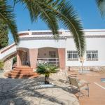 Hotel Pictures: Chalet Sant Jordi, Torredembarra