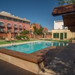 Hotel Pictures: Apartaments Suites Sant Jordi, Montbrió del Camp