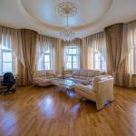 Deluxe three-bedroom apartment on Karavannaya, Saint Petersburg