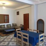 Hotel Pictures: Appartements centre Ain Turk et vue Mer, Aïn el Turk