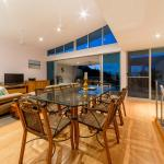 Фотографии отеля: Azure Sea Executive Town Home #32, Эйрли-Бич