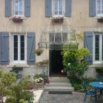 Hotel Pictures: Villa Vignola, Barbezieux