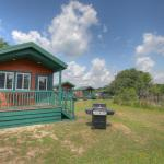 Lake Conroe Queen Studio Cabin 10,  Willis
