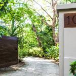 Hotel Pictures: Latitude 10 Exclusive Beach Resort, Mal País