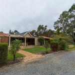 Hotel Pictures: Holiday House On One Six Six, Perth