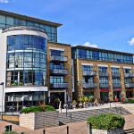 West London Riverside Apartment, London