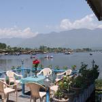 Young Beauty Star Houseboat,  Srinagar