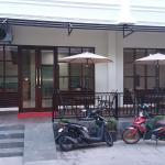 Legenda Beril Hostel, Makassar