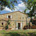 Holiday home Gite du Cheval Blanc,  Pougnadoresse