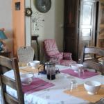 Hotel Pictures: La Maison De Lily, Moulins