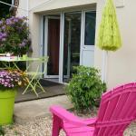 Hotel Pictures: Rez de jardin, Plérin