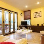 Hotel Pictures: Four-Bedroom Apartment in Mallorca with Pool XXVIII, Cielo de Bonaire