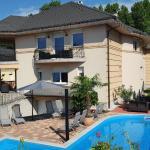 Villa Riccardo & Pool, Siófok