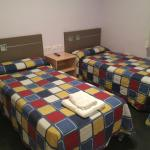 Hotel Pictures: Hostal Mequinenza, Mequinenza