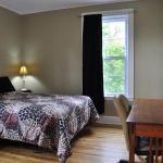 Hotel Pictures: Moncton Suites - Downtown 81 Maple, Moncton