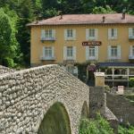 Hotel Pictures: Le Mirval, La Brigue