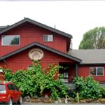 Hotel Pictures: Big Fish Lodge, Port Renfrew