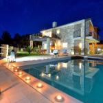 Amazing Villa Ele, Zaton