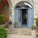 Hotel Pictures: Le Petit Souhait & Le Verger, Gourvillette