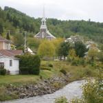 Hotel Pictures: Sous le clocher de l'Anse, L'Anse-Saint-Jean