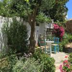 Nikoleta Rooms,  Tinos Town