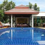 Phuket Cleanse Fitness & Health Retreat, Nai Harn Beach