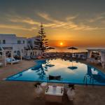 Dream Island Hotel, Fira