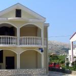 Apartments Hajduk P3509, Pag