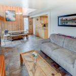Mammoth Ski & Racquet #055 - One Bedroom Loft Condo, Mammoth Lakes