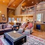 Stonegate #10 - Four Bedroom Loft Condo, Mammoth Lakes