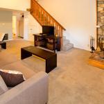 Sierra Manors #098 - One Bedroom Loft Condo, Mammoth Lakes