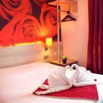 Hotel Pictures: Hôtel Inn Design Resto Novo Granville, Granville