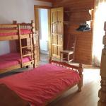 Hotel Pictures: Le Chalet Des Buisses, Roubion