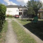Dom v Záhrade, Podhájska