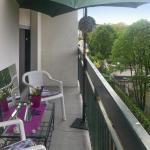 Hotel Pictures: Apartment Rue Saint-Fargeau, Paris