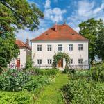 Hotel Pictures: Historischer Pfarrhof Niederleierndorf, Niederleierndorf