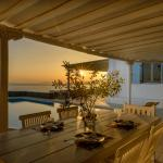 Sunset Villa, Houlakia