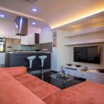 Romantic Penthouse, Victoria