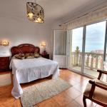 Hotel Pictures: Pensión Mirador Fin da Terra, Fisterra
