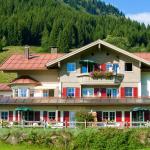 Hotel Pictures: Alpenrösle, Balderschwang