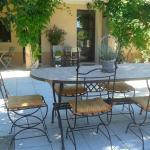Hotel Pictures: La Chrysalide, Loriol-du-Comtat