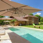 Hotel Pictures: Holiday home Les Raneaux, Nantheuil