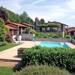 Hotel Pictures: Bellavista (Utoring) 2, Cademario