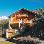 Hotel Pictures: Villa La Salle-les-Alpes, Le Bez