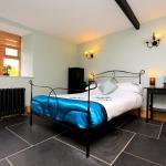 Hotel Pictures: Braunton Poyers Farmhouse, Braunton