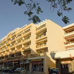 Hotel Pictures: Saint James 3, Le Lavandou