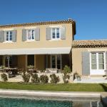 Hotel Pictures: Villa Saint Saturnin d'Apt, Croagnes