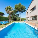 Hotel Pictures: Holiday home Rosada, SAgaro