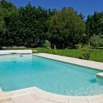 Hotel Pictures: La Tourelle, Villars-en-Pons
